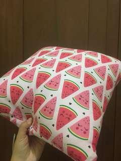 Bantal Semangka Pink
