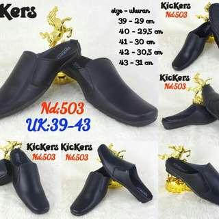 KICKERS Relax Shoes Seri : 503 Size : 39-43  Size Outsole    39 - 29 cm    40 - 29,5 cm    41 - 30 cm    42 - 30,5 cm    43 - 31 cm Best Seller  Best Quality👍🏻👍🏻👍🏻
