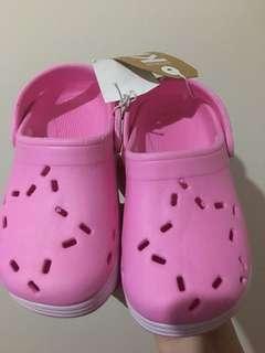 Sendal cotton on kids hippo clog size 9
