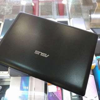 高雄 ASUS X101CH 10.1吋 小筆電 Intel處理器 320G硬碟 螢幕&鍵盤&電池皆正常 偶而出現藍底白字當機 當零件機拆用出售
