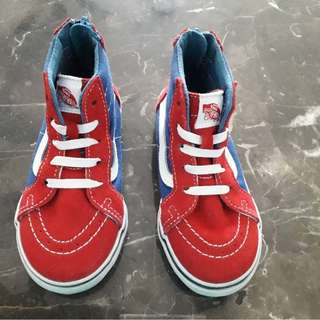 NEW VANS Off the Wall kids shoes. Size US 9/ UK 8 ( for kids sizes) . Authentic
