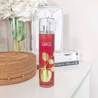 Bath & Body Works Perfume Mist Country Apple | 236ml | full size bbw