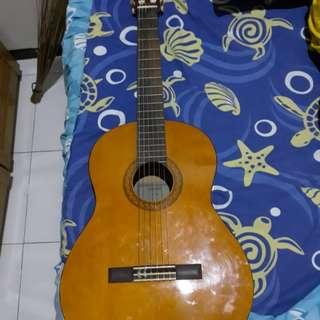 Gitar Yamaha C-40