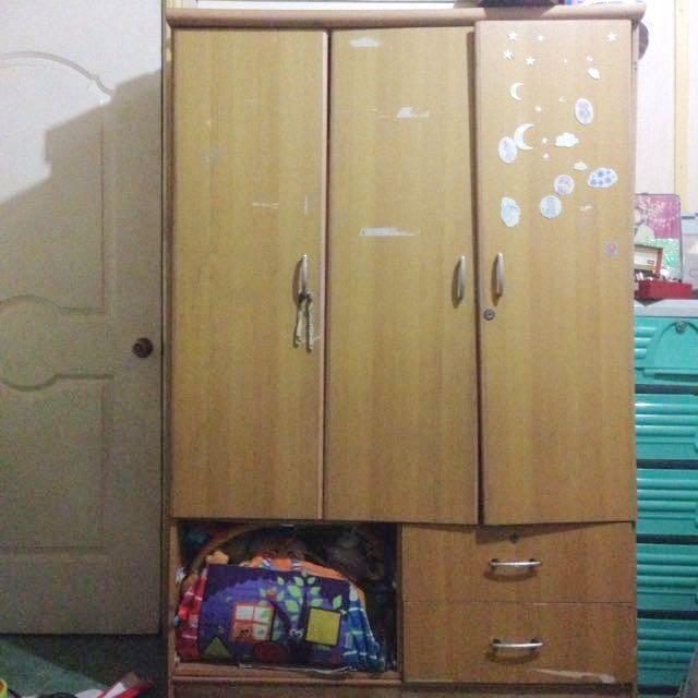3 Door Closet w/ HalfBody Mirror