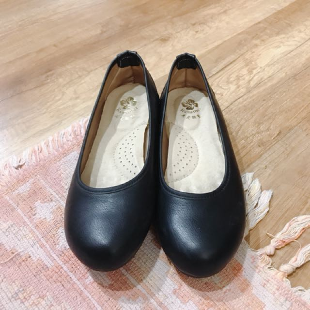 黑色工作包鞋