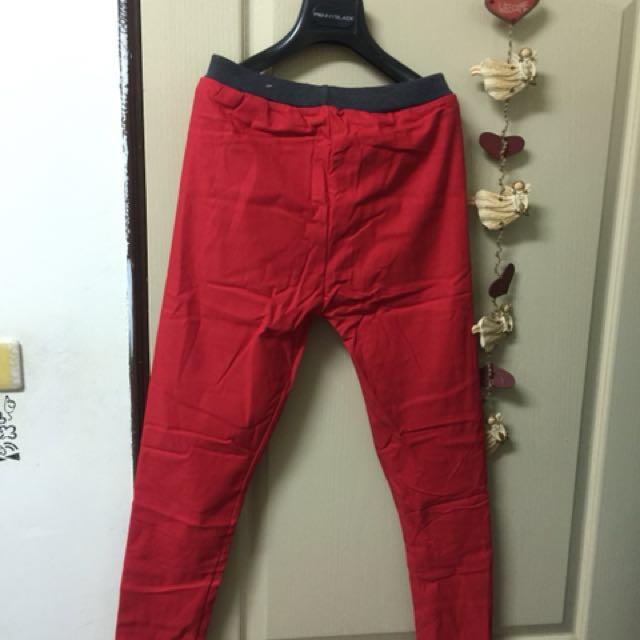 紅色顯色內搭褲 彈性好 中大碼