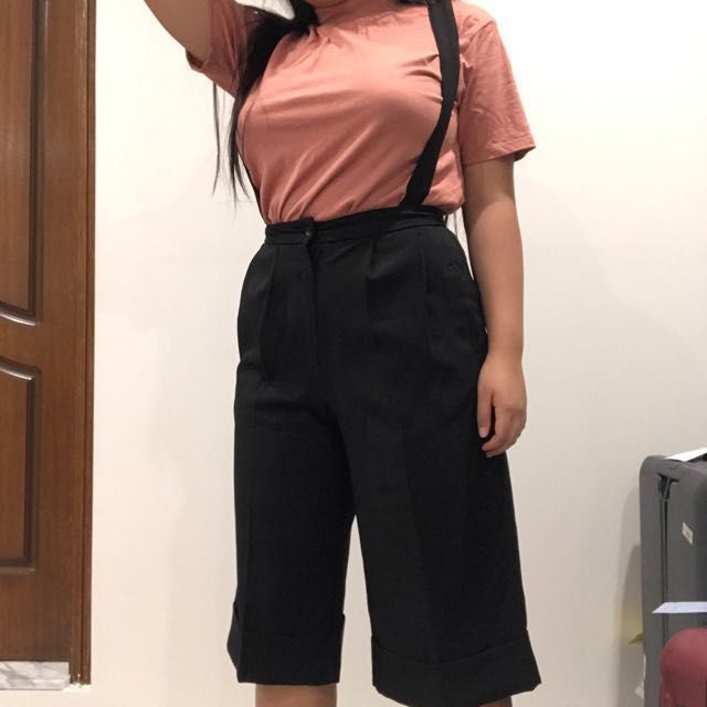 🔥 Black high waisted culotte pants with attachable suspenders