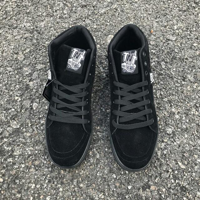24d88a5327 🔗 Vans Old Skool 2.0 All Black Mid Cut