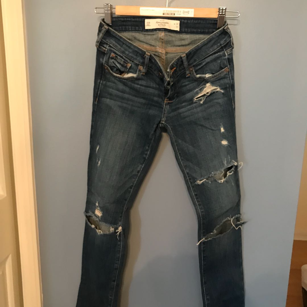 Abercrombie ripped jeans 24