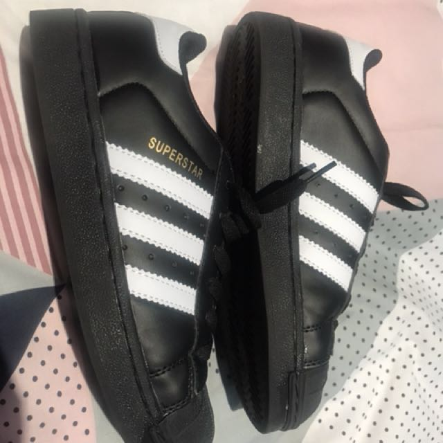Adidas superstars black