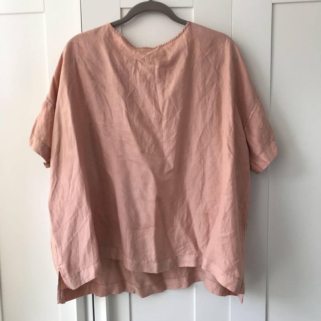 Aritzia Wilfred peach top