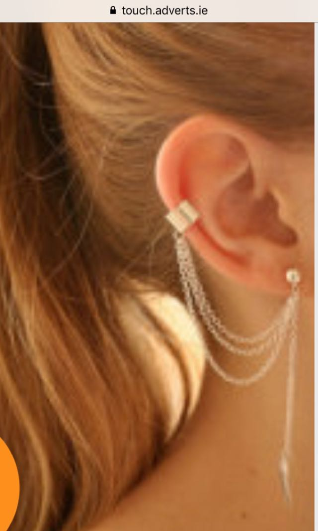 Attractive cuff link chain earring