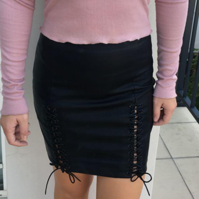 Black skirt from Bardot