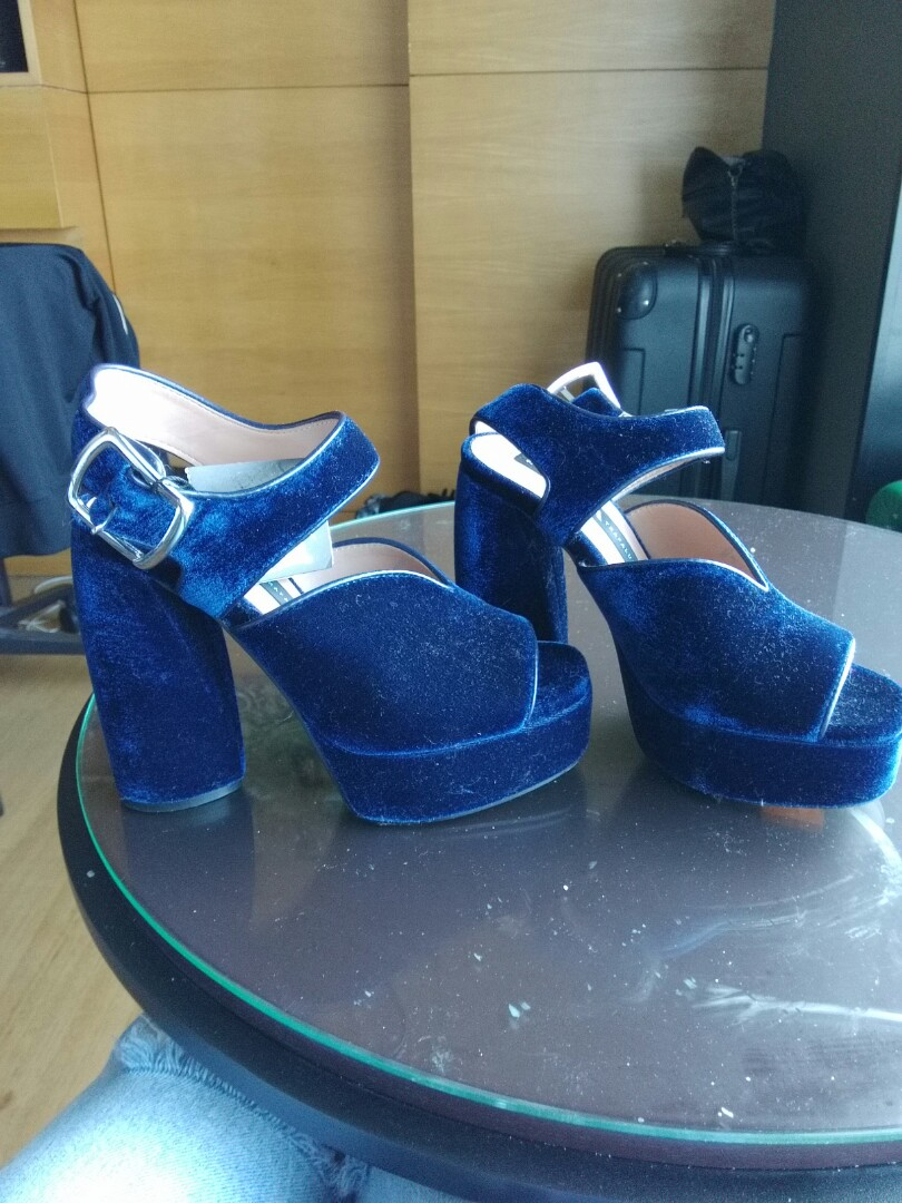 f91e8b5246 Blue velvet platform Zara shoes. New, Women's Fashion, Shoes on Carousell