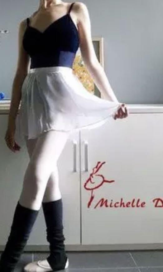 BNWOT Chiffon Short Skirt for Dance/ Photoshoot/ Pole Dance