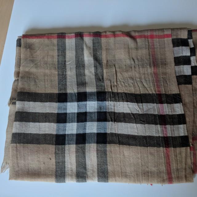 Burberry lightweight Check Wool &Silk Scarf