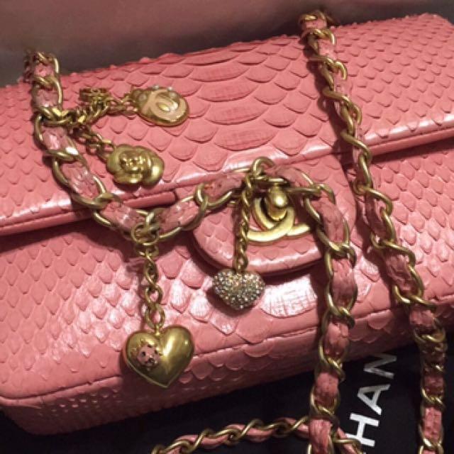 Chanel 玫瑰粉超級情人節限量蛇皮包mini