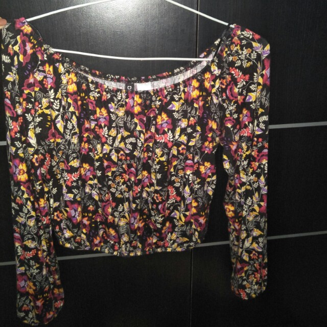 Coachella Black Floral Off Shoulder H&M