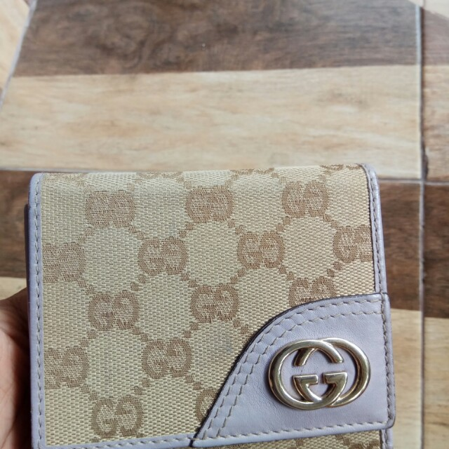 Dompet GUCCI with serial number