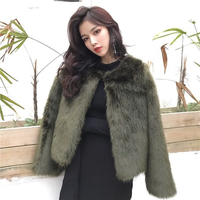 Faux fur coat (green)