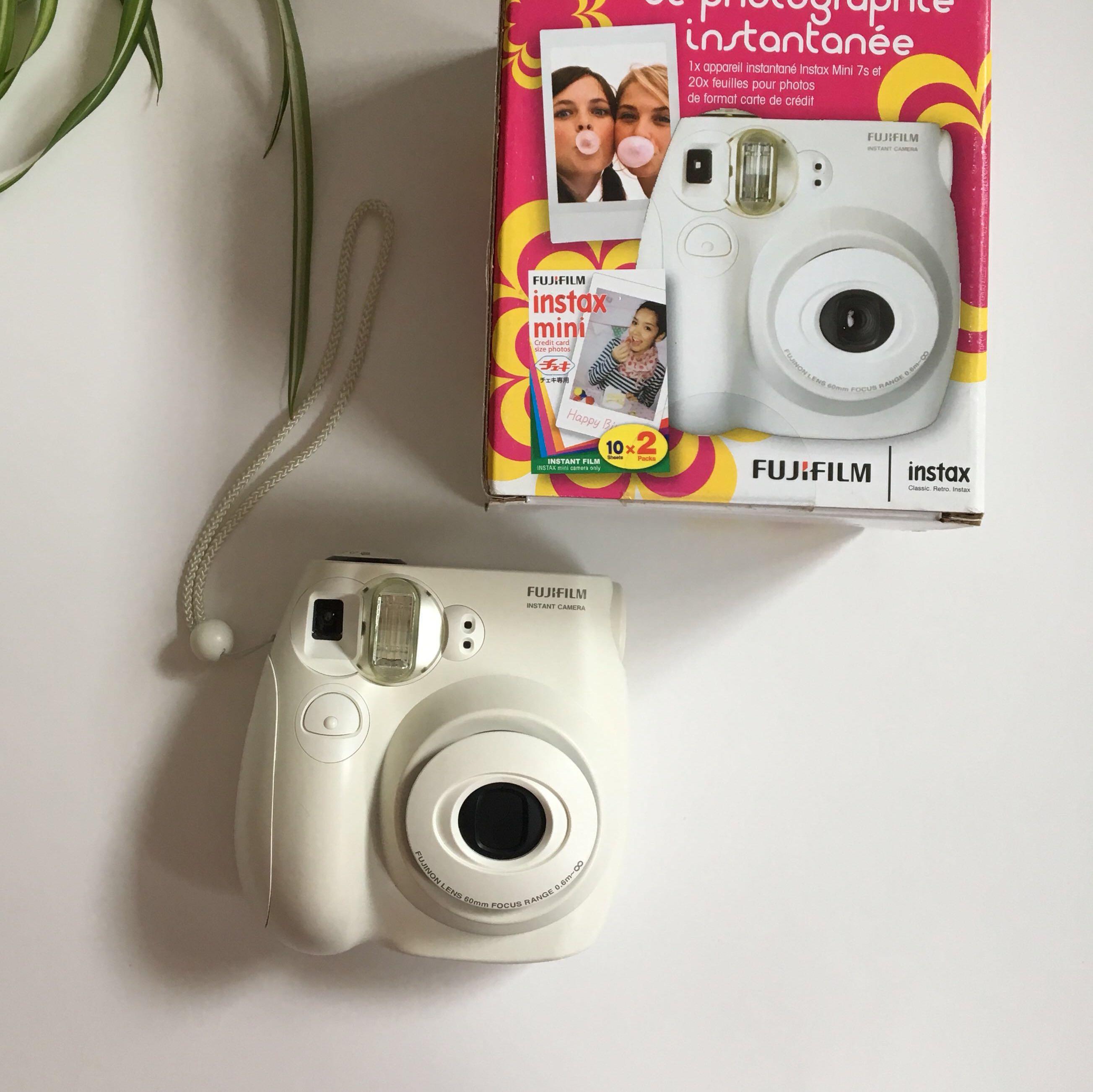 Fujifilm instax camera mini