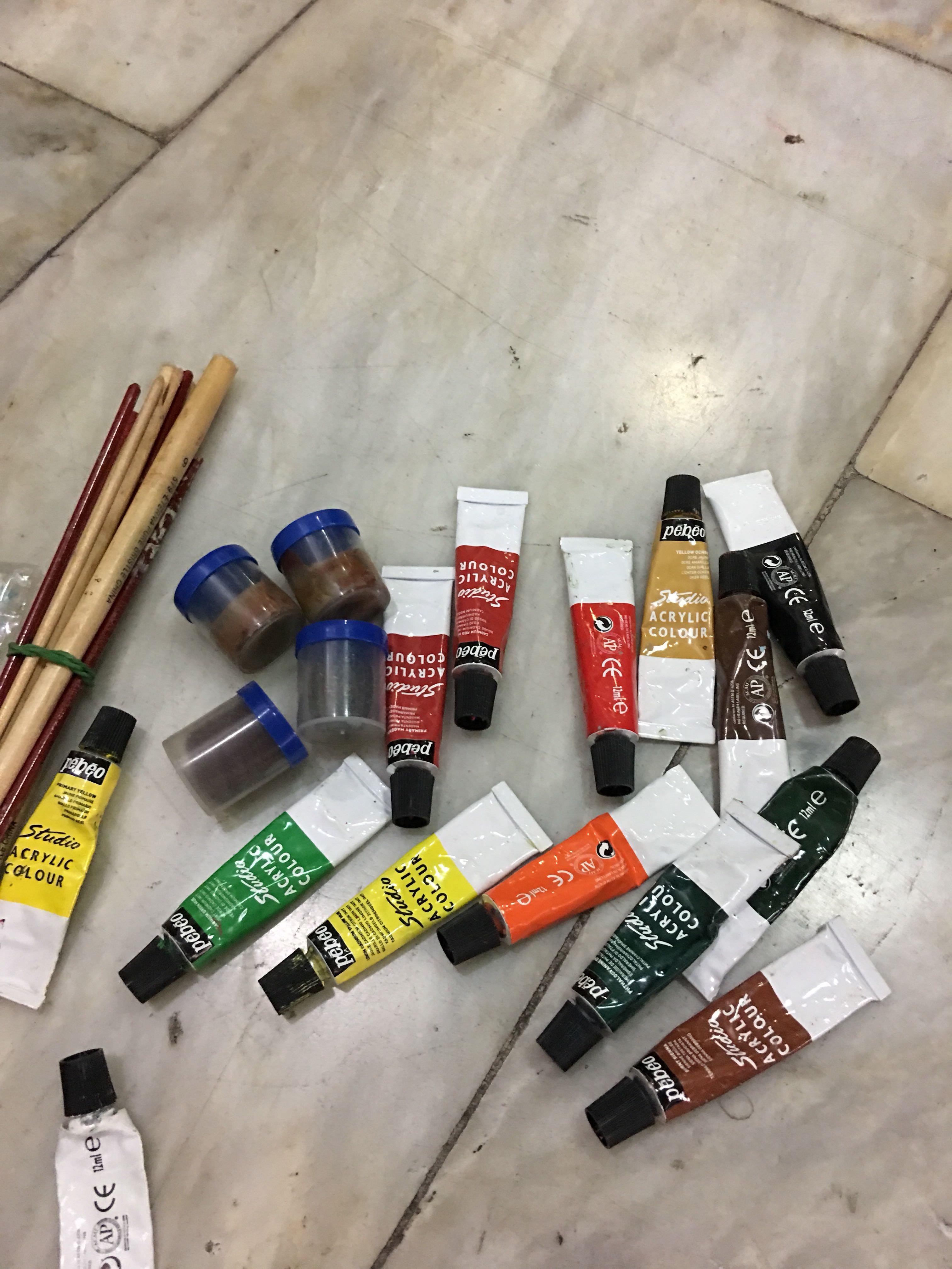 Giveaway: Assorted Art stuff
