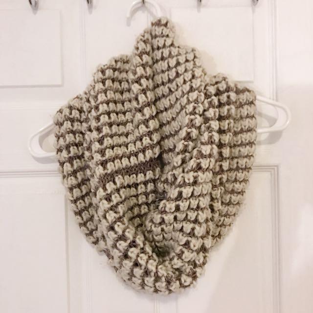 Little Burgundy - circle scarf