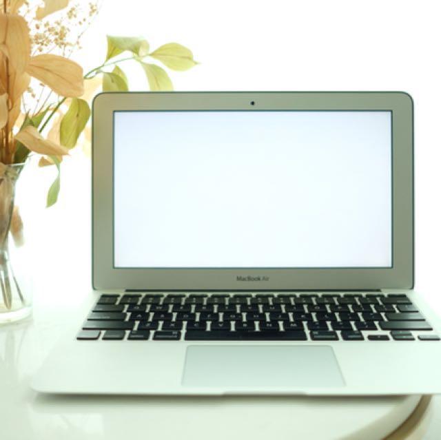 Macbook Air 11inch 2011