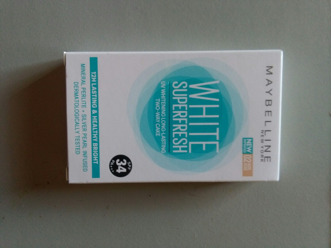 Maybelline White Super Fresh Two Way Cake