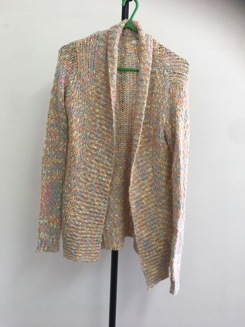 Medium knit cardigan