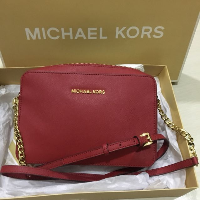 Michael Kors Jet Set Sling Bag
