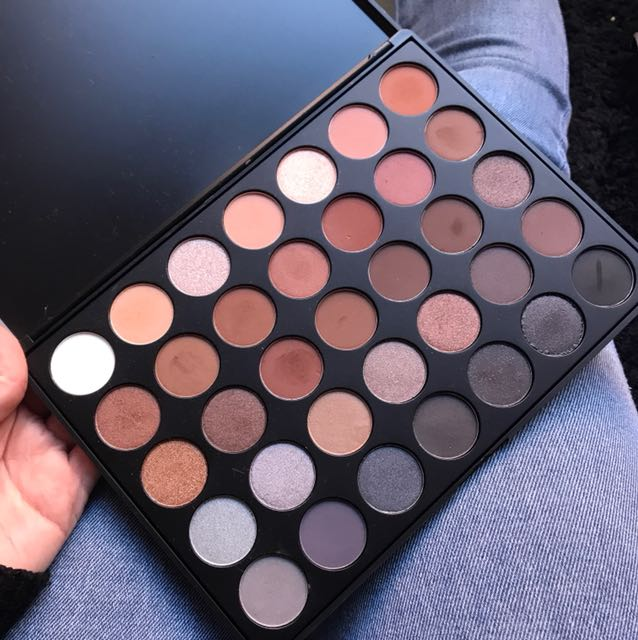 Morphe eyeshadow pallette 35k