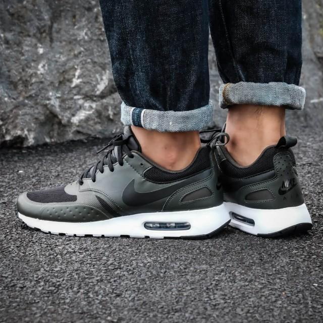 uk availability 72dc2 95746 Nike Air Max Vision (Green), Mens Fashion, Footwear on Carou