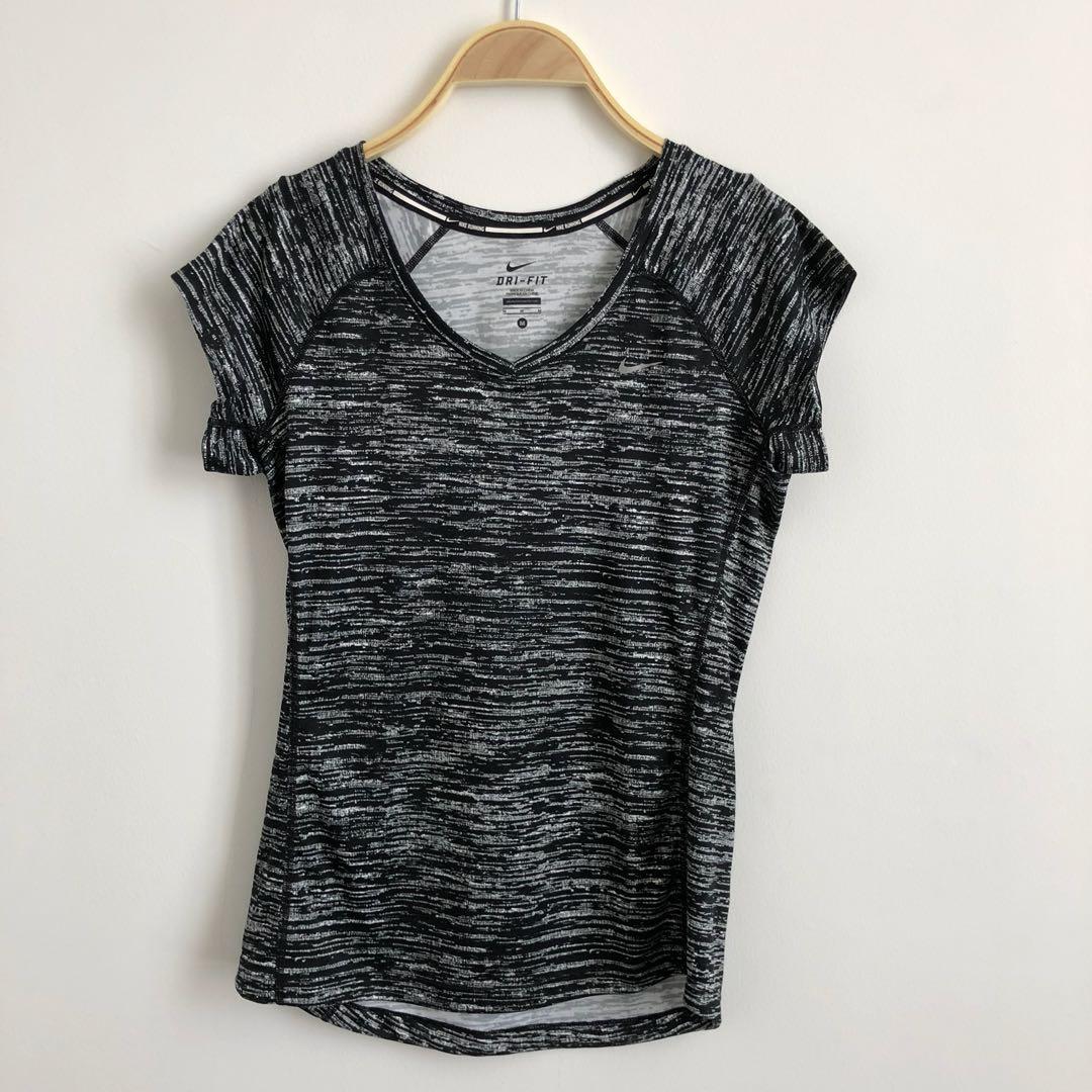Nike dry fit black top M