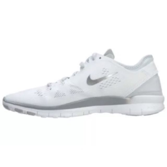 NIKE FREE LADIES WHITE TR FIT 5.0 TRAINERS 8.5 / 40 BRAND NEW