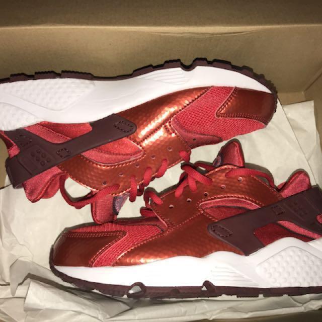 Nike Huarache Run - University Red/ Night Maroon