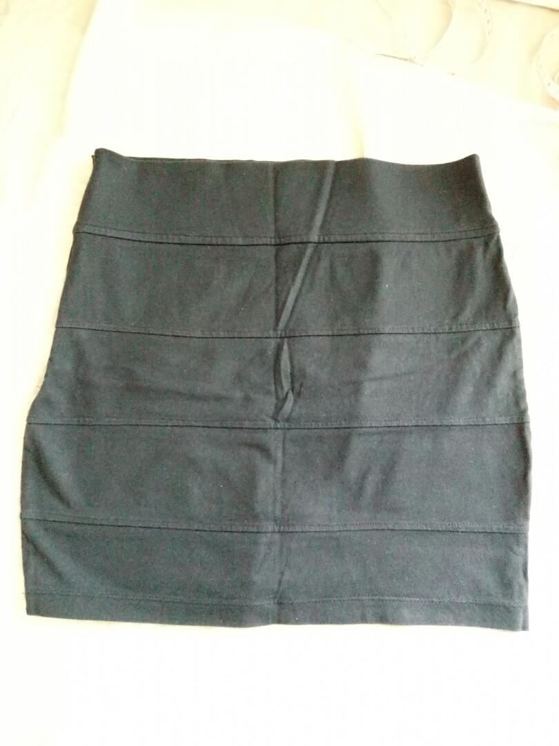 Rok mini hitam