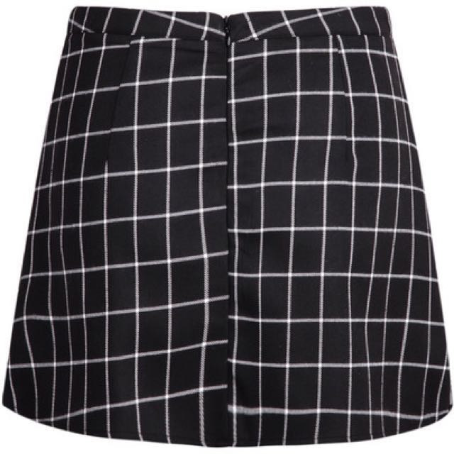 688bc572e ROMWE Plaid/ Grid Wrap Bodycon Skirt (asymmetrical/ origami/ overlap/  foldover), Women's Fashion, Clothes, Pants, Jeans & Shorts on Carousell
