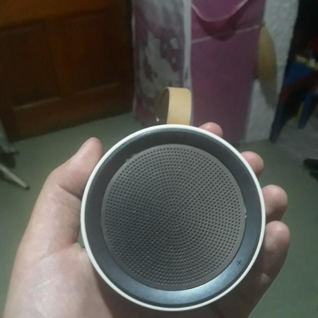 Samsung Scoop Design BT Speaker on Carousell