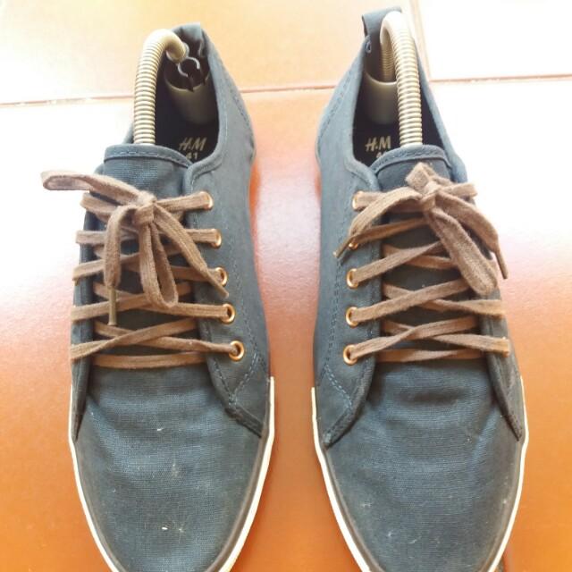 Sepatu H&M kondisi Bagus