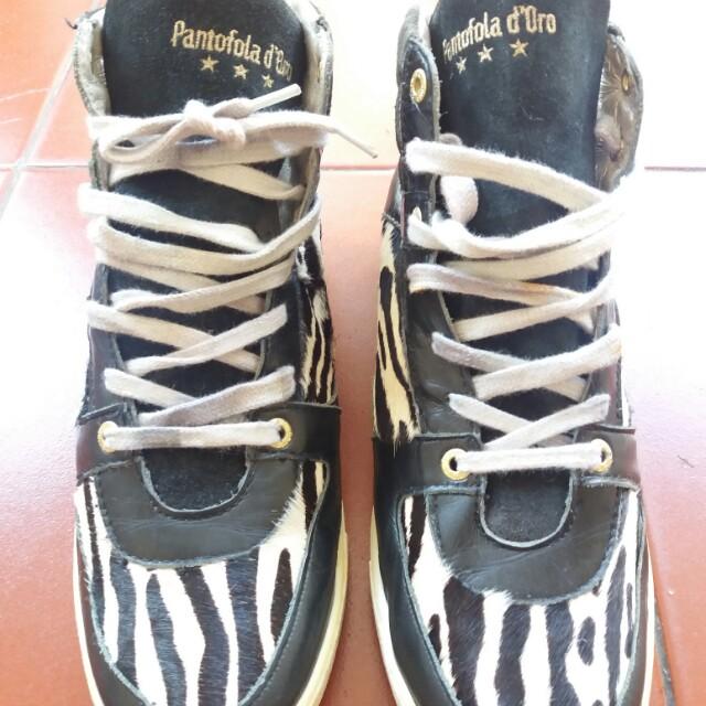 Sepatu made in Itali