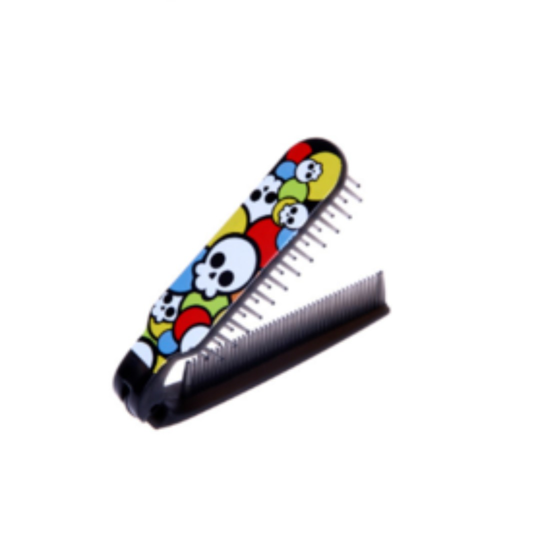 Sisir Lipat Switchblade Comb Unisex Dengan Motif Variasi Khm124 Switch Blade Pomade Health Beauty Hair Care On Carousell