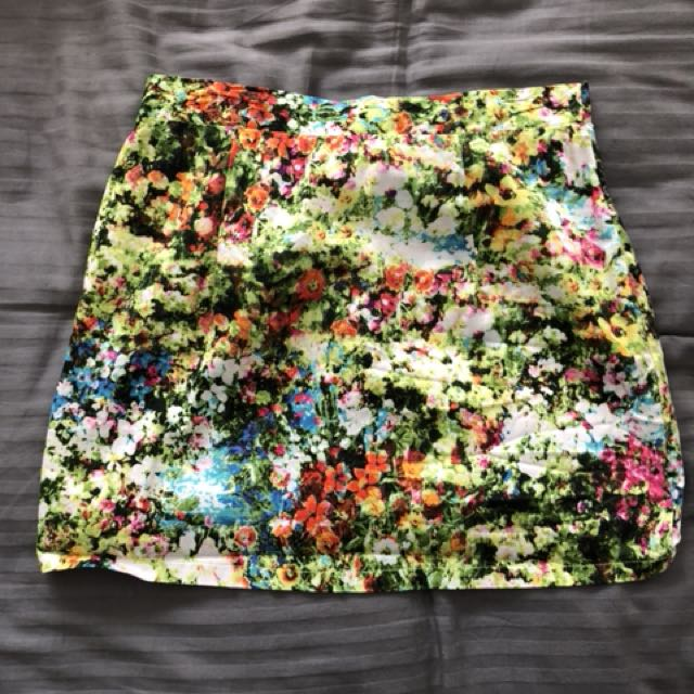 Size 10 Spicysugar skirt