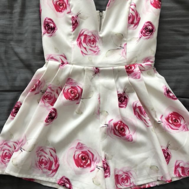 Size 8 Luvalot play suit