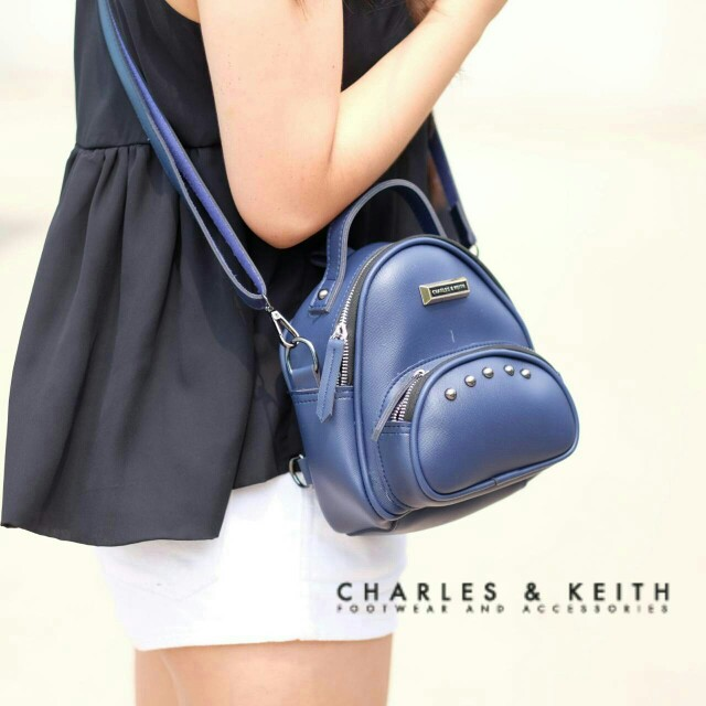 Studed Charles&Keith