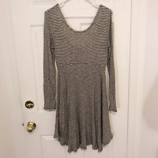 URBAN OUTFITTERS - M Striped Dress