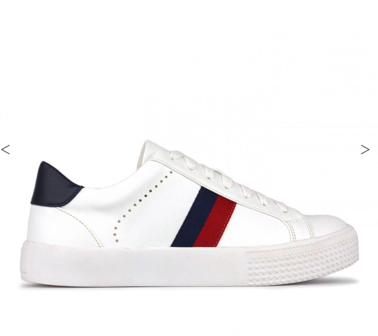 White Sneakers size 7  [freepostage]
