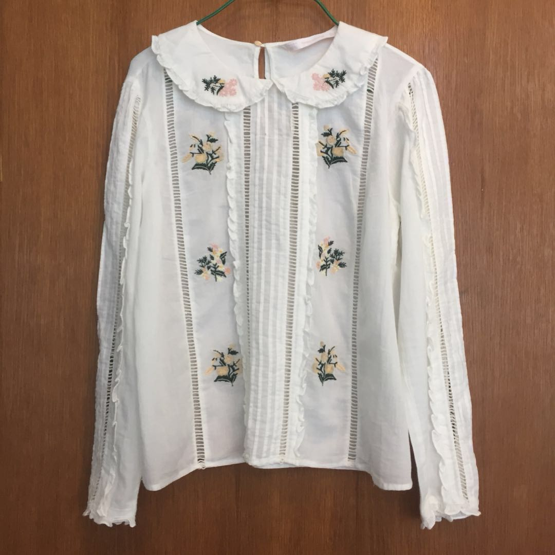 xs/s ZARA embroidered top