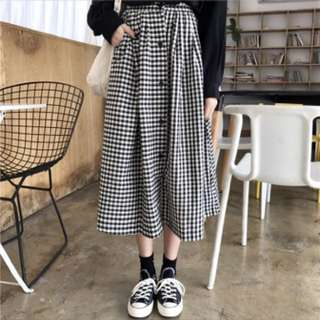 checkered long skirt po
