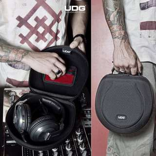 UDG Headphone HardCase Large Black (UP $99) WAREHOUSE PRICE $49 a product from The Netherlands (Holland)